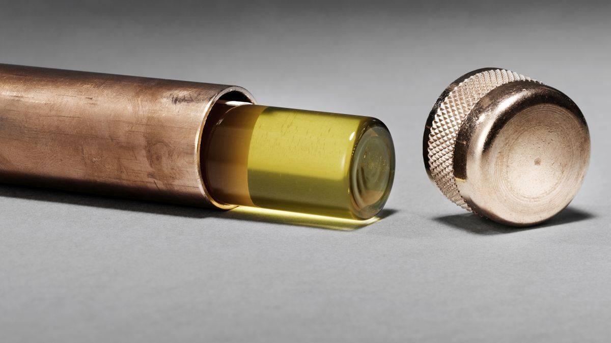 agentur honey startet kampagne last honey gegen bienensterben w v. Black Bedroom Furniture Sets. Home Design Ideas