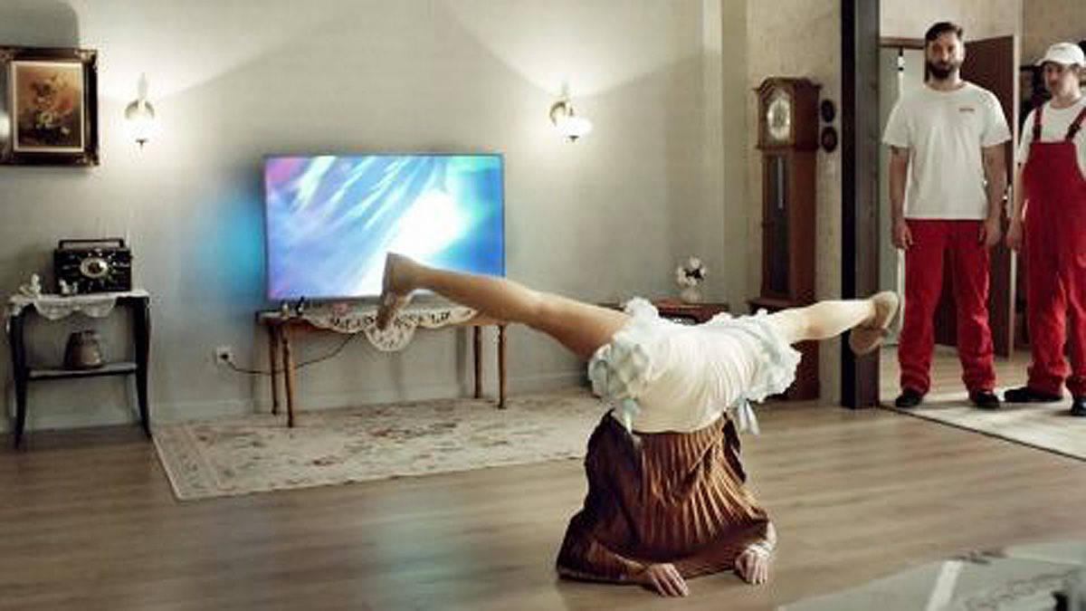 breakdance oma feiert ottos shopping festival w v. Black Bedroom Furniture Sets. Home Design Ideas