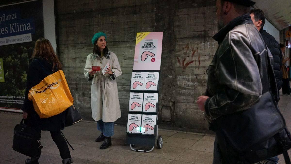 Gebären auf Geschäftsreise: Sparkasse wirbt für Rente