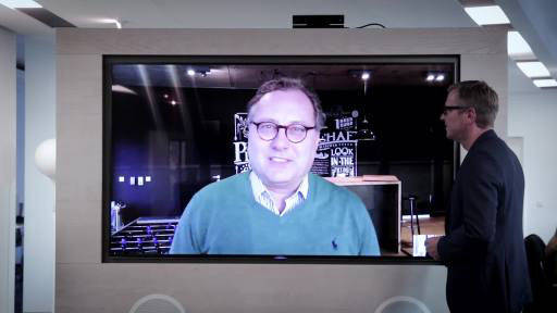 Mirko Kaminski interviewte Meyer via XXL-Screen in seiner Hamburger Agentur Achtung.