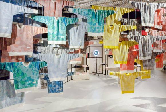 adidas testet in berlin pulli to go w v. Black Bedroom Furniture Sets. Home Design Ideas