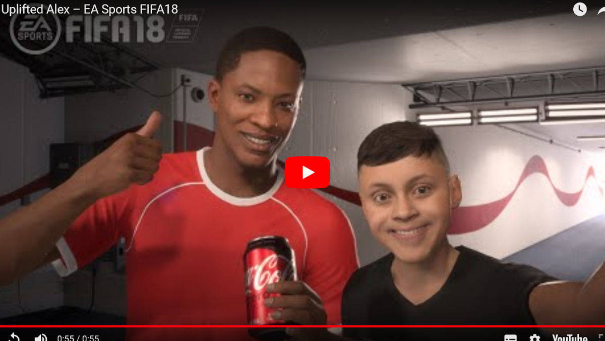 Alex Hunter und sein Fan im In-Game-Spot von EA Sports™ Fifa 18.