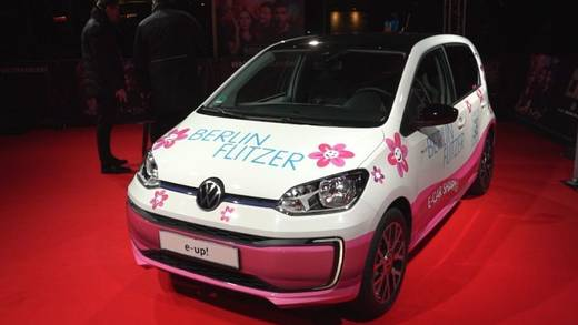 "VW platziert den e-up! prominent in Verhoevens Blockbuster ""Nightlife"" Nightlife."
