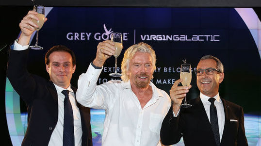 Virgin Galactic fliegt mit Grey Goose ins All