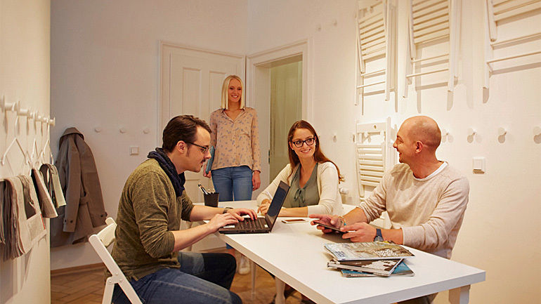 burda forward lockt neue mitarbeiter mit altbau wg nach. Black Bedroom Furniture Sets. Home Design Ideas