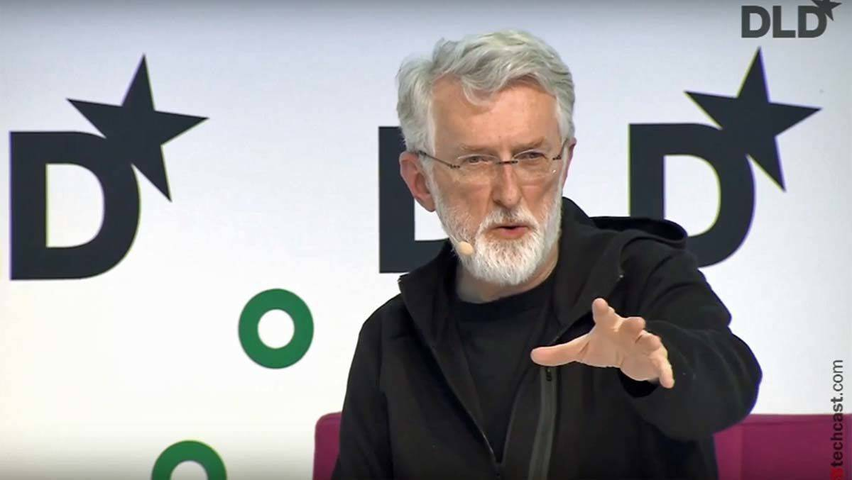 Journalistik-Professor Jeff Jarvis auf dem DLD 2017. Sein Interviewpartner: ein Facebook-Manager.