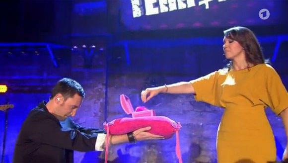 Kebekus Und Nuhr Behalten Den Comedy Thron Wv